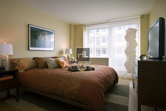 2 Bedrooms, Chelsea Rental in NYC for $7,770 - Photo 2