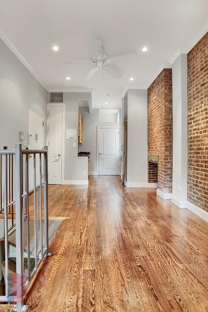 3 Bedrooms, West Village Rental in NYC for $6,228 - Photo 2