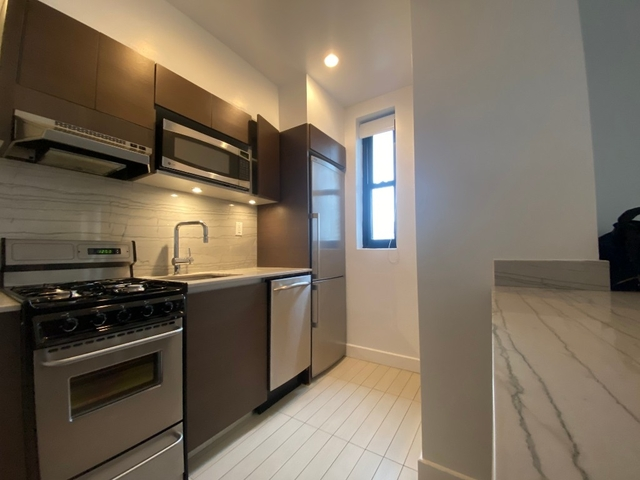 Studio, Sutton Place Rental in NYC for $3,112 - Photo 2