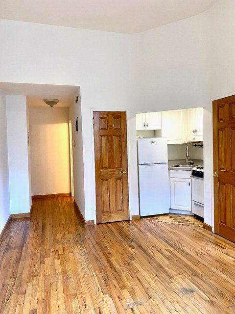 1 Bedroom, Upper West Side Rental in NYC for $2,690 - Photo 2