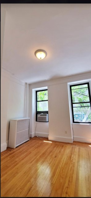 2 Bedrooms, Hell's Kitchen Rental in NYC for $2,975 - Photo 1