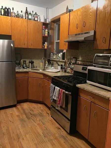 3 Bedrooms, Astoria Rental in NYC for $2,190 - Photo 2