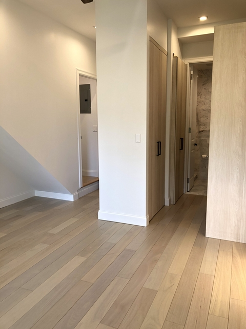 2 Bedrooms, Chelsea Rental in NYC for $4,500 - Photo 2