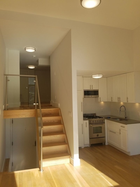 2 Bedrooms, Gramercy Park Rental in NYC for $4,858 - Photo 2
