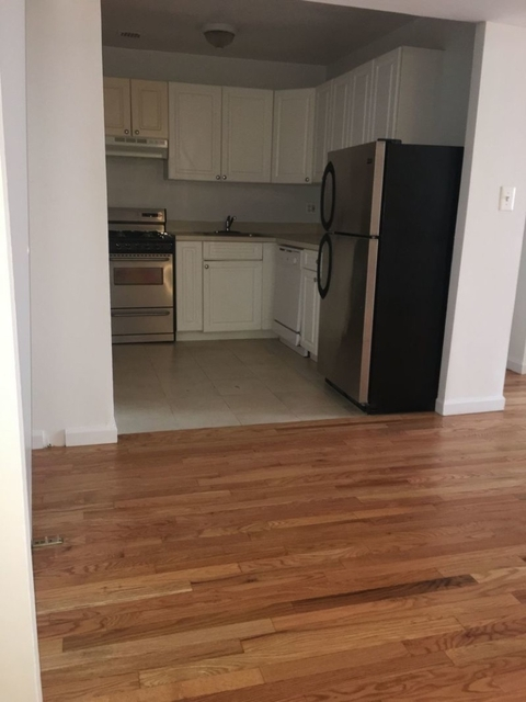2 Bedrooms, Gramercy Park Rental in NYC for $4,450 - Photo 2