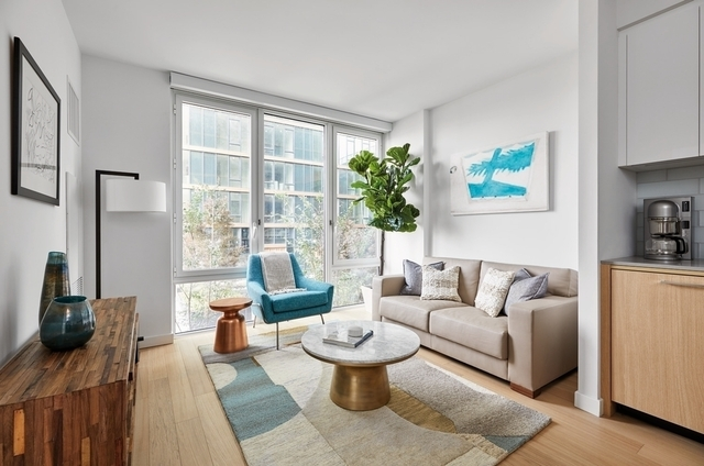 2 Bedrooms, Astoria Rental in NYC for $3,524 - Photo 2