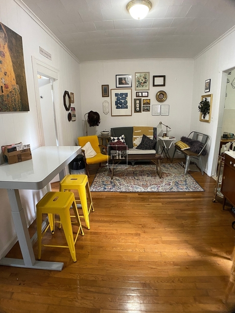 3 Bedrooms, South Slope Rental in NYC for $2,800 - Photo 2