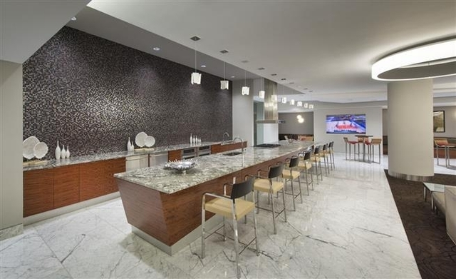 3 Bedrooms, Murray Hill Rental in NYC for $5,817 - Photo 2
