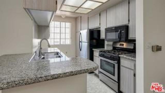 2 Bedrooms, Westside Rental in Los Angeles, CA for $3,695 - Photo 2