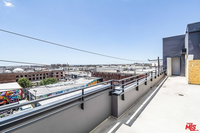 2 Bedrooms, Arts District Rental in Los Angeles, CA for $5,000 - Photo 2