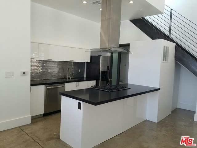 1 Bedroom, Gallery Row Rental in Los Angeles, CA for $2,100 - Photo 2