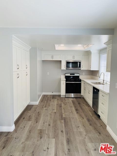 3 Bedrooms, Van Nuys Rental in Los Angeles, CA for $3,200 - Photo 2