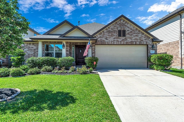 3 Bedrooms, Sugar Land Rental in Houston for $2,000 - Photo 1