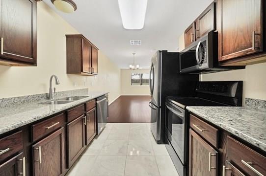 3 Bedrooms, Southbelt - Ellington Rental in Houston for $1,500 - Photo 2