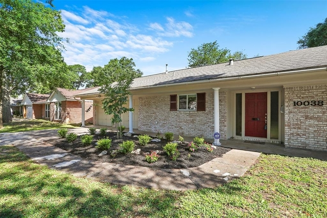 3 Bedrooms, Spring Branch Woods North Rental in Houston for $1,850 - Photo 1