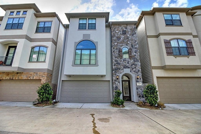 4 Bedrooms, Lakeside Park Townhome Rental in Houston for $2,600 - Photo 1