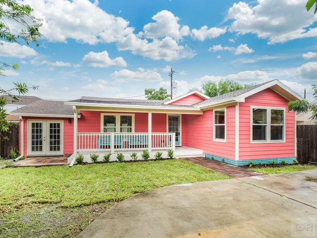 3 Bedrooms, Bayou Shore Rental in Houston for $1,850 - Photo 1