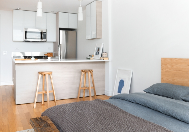 Studio, Hell's Kitchen Rental in NYC for $2,688 - Photo 1