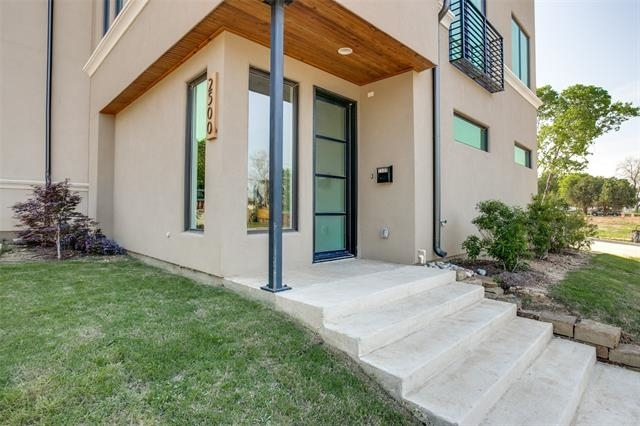 3 Bedrooms, United Riverside Rental in Dallas for $3,500 - Photo 2