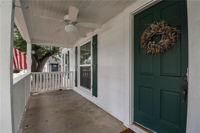 3 Bedrooms, Arlington Heights Rental in Dallas for $2,325 - Photo 2