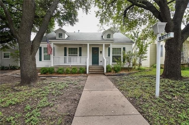 3 Bedrooms, Arlington Heights Rental in Dallas for $2,325 - Photo 1