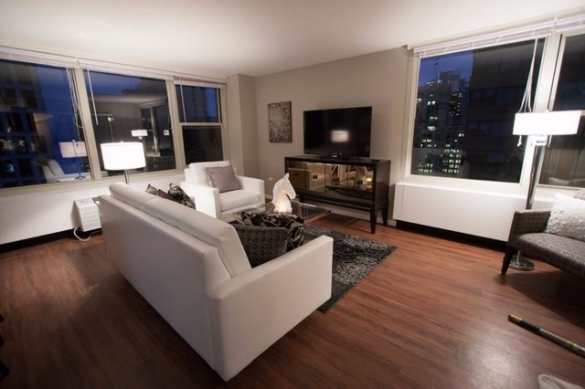 2 Bedrooms, Gold Coast Rental in Chicago, IL for $3,895 - Photo 1