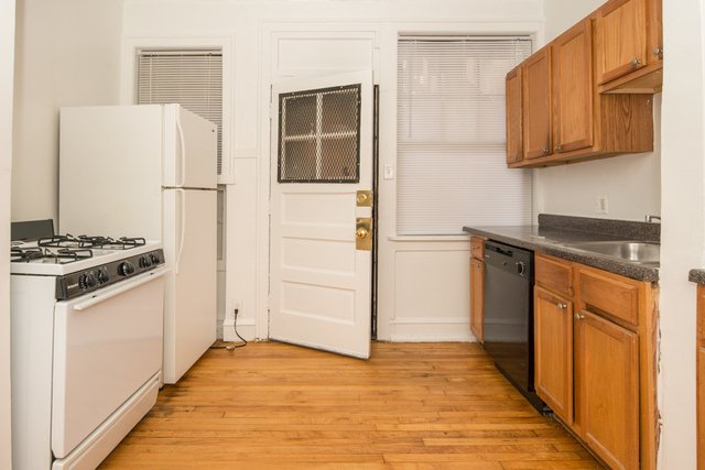 2 Bedrooms, North Center Rental in Chicago, IL for $1,595 - Photo 2