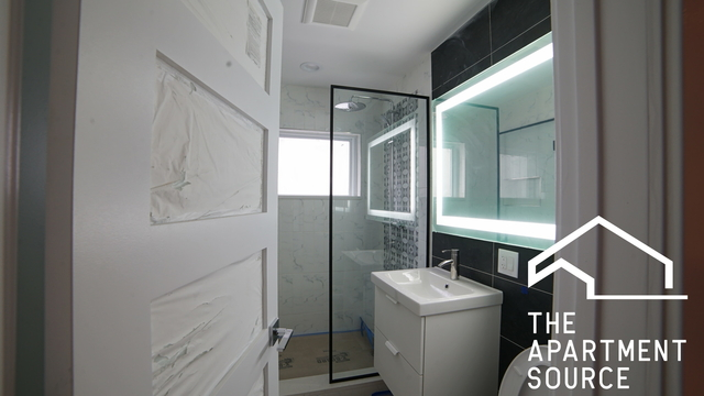 2 Bedrooms, Ravenswood Rental in Chicago, IL for $2,448 - Photo 1