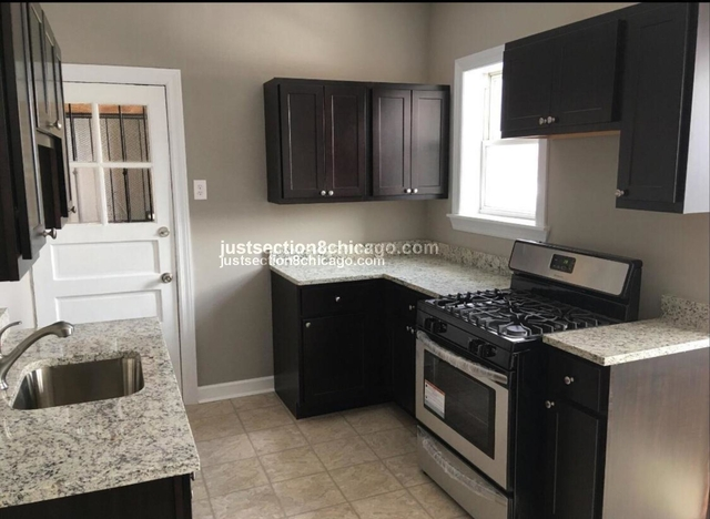 2 Bedrooms, South Shore Rental in Chicago, IL for $1,145 - Photo 1