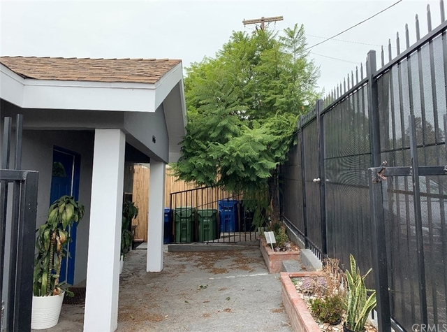 2 Bedrooms, Solano Canyon Rental in Los Angeles, CA for $2,950 - Photo 2