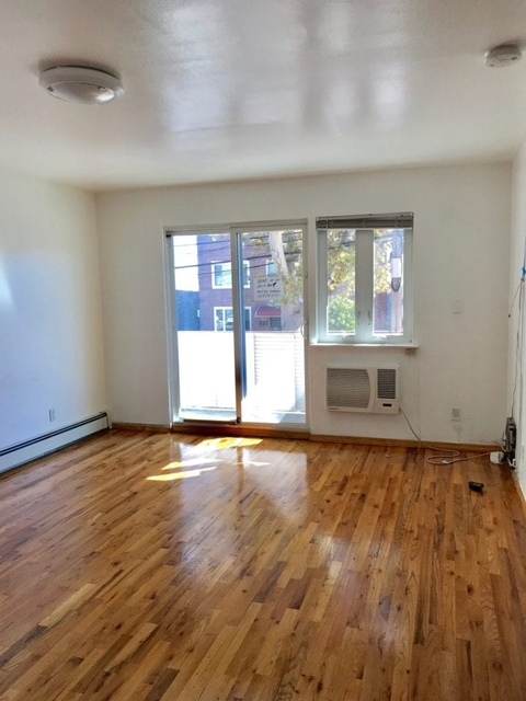 3 Bedrooms, Steinway Rental in NYC for $2,800 - Photo 1