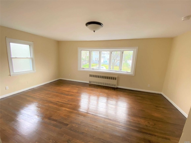 2 Bedrooms, Bayswater Rental in Long Island, NY for $1,800 - Photo 2