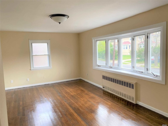 2 Bedrooms, Bayswater Rental in Long Island, NY for $1,800 - Photo 1