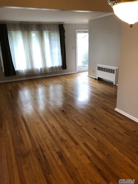 4 Bedrooms, East Garden City Rental in Long Island, NY for $3,200 - Photo 1