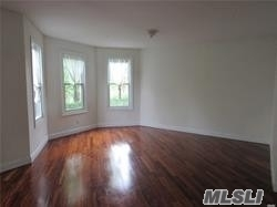 4 Bedrooms, Great Neck Rental in Long Island, NY for $4,100 - Photo 1