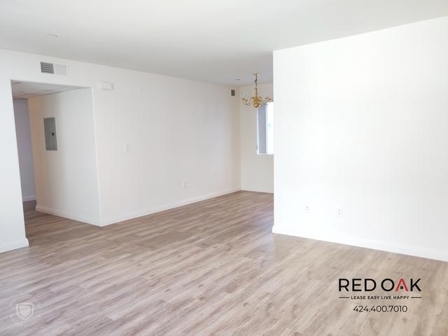 2 Bedrooms, Westlake South Rental in Los Angeles, CA for $2,195 - Photo 2