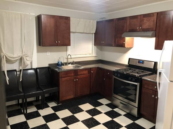 3 Bedrooms, Ashmont Rental in Boston, MA for $1,900 - Photo 1