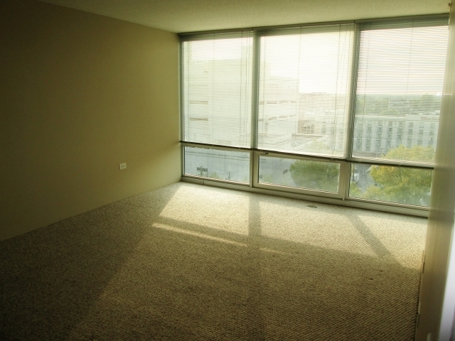 1 Bedroom, Evanston Rental in Chicago, IL for $1,840 - Photo 2