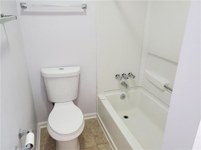 3 Bedrooms, Grant Park Rental in Atlanta, GA for $1,650 - Photo 2