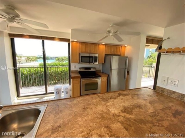 2 Bedrooms, Biscayne Island Rental in Miami, FL for $2,975 - Photo 2