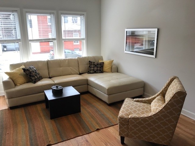 2 Bedrooms, Wrigleyville Rental in Chicago, IL for $1,667 - Photo 2