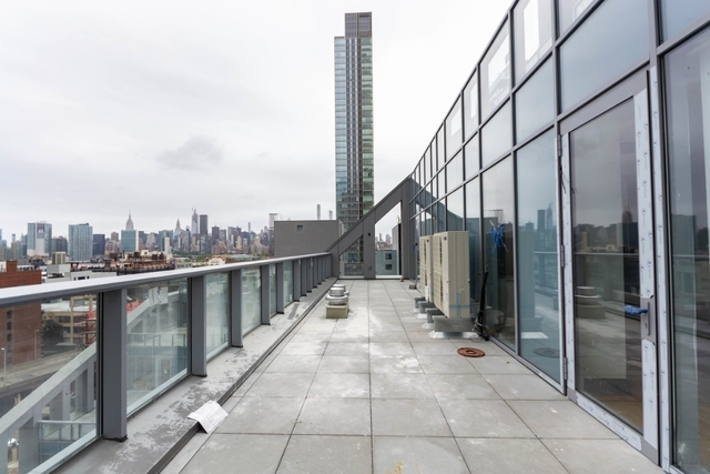 1 Bedroom, Long Island City Rental in NYC for $3,646 - Photo 1
