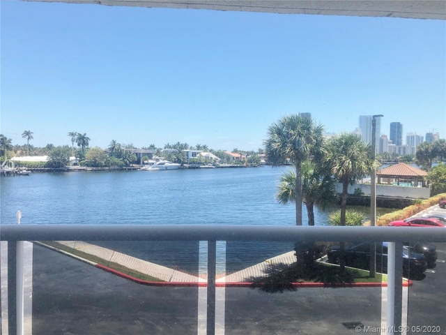 2 Bedrooms, Biscayne Yacht & Country Club Rental in Miami, FL for $2,200 - Photo 1