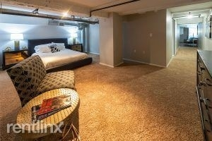 3 Bedrooms, Downtown Houston Rental in Houston for $3,328 - Photo 2