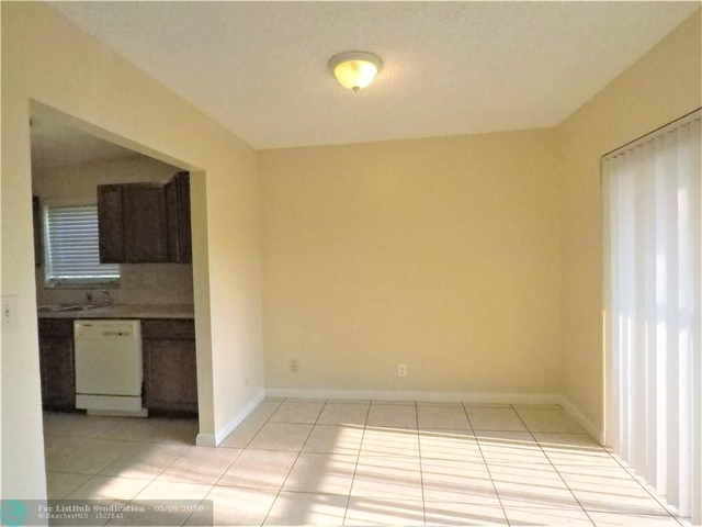2 Bedrooms, North Lauderdale Village Rental in Miami, FL for $1,550 - Photo 2