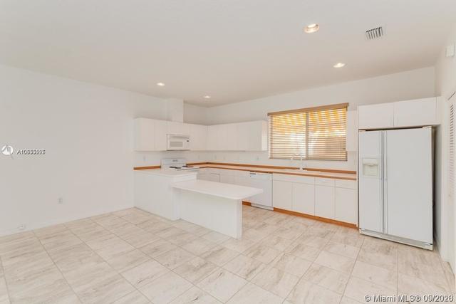 2 Bedrooms, Northeast Coconut Grove Rental in Miami, FL for $3,650 - Photo 1