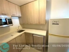 1 Bedroom, Beverly Heights Rental in Miami, FL for $1,275 - Photo 2