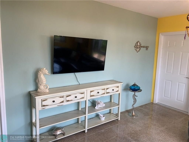2 Bedrooms, Lauderdale-by-the-Sea Rental in Miami, FL for $3,200 - Photo 1
