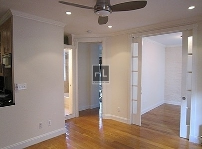 3 Bedrooms, Gramercy Park Rental in NYC for $5,533 - Photo 2