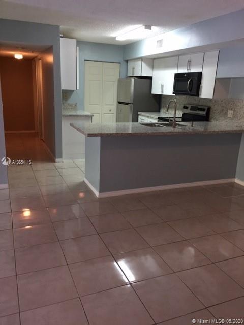 3 Bedrooms, University Village East Rental in Miami, FL for $1,900 - Photo 1